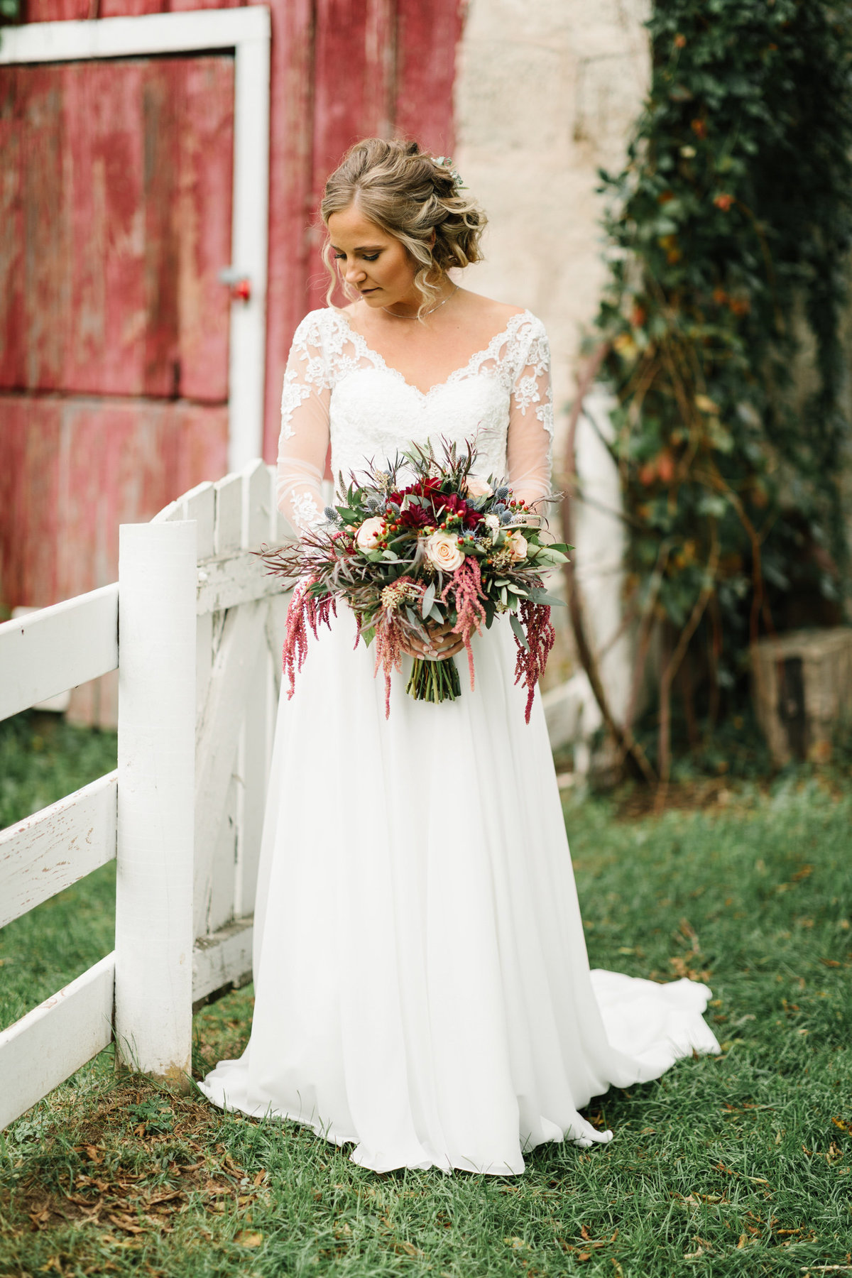 Hope-Glen-Farm-Cottage-Grove-Minnesota-September-Fall-Wedding-24