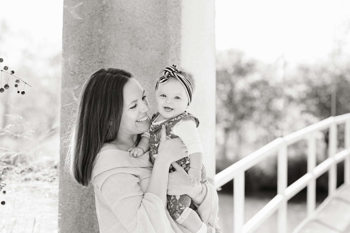 family-photographer-st-louis-park-location-city-45015_Kelling bw