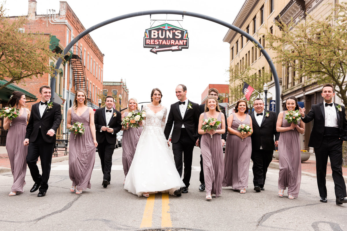 Downtown Delaware Ohio wedding
