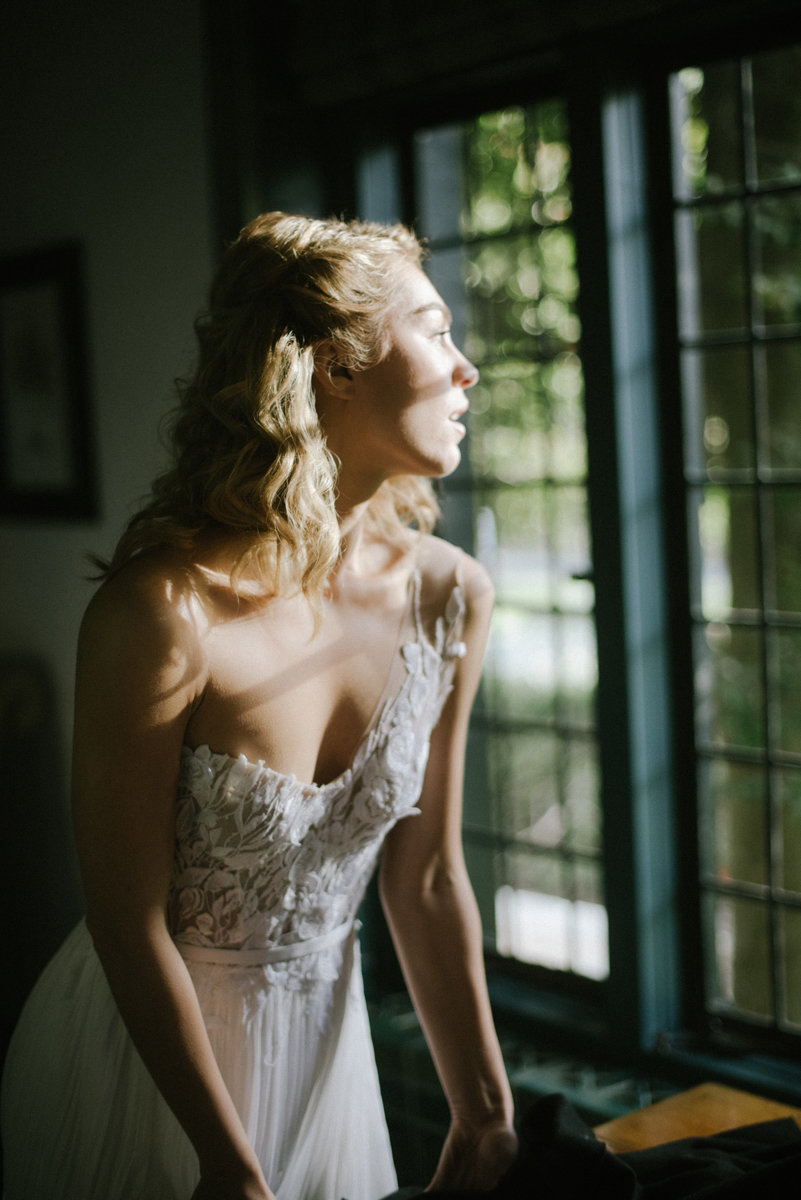pleasantdale chateau dramatic light boho chic hippy hipster wedding