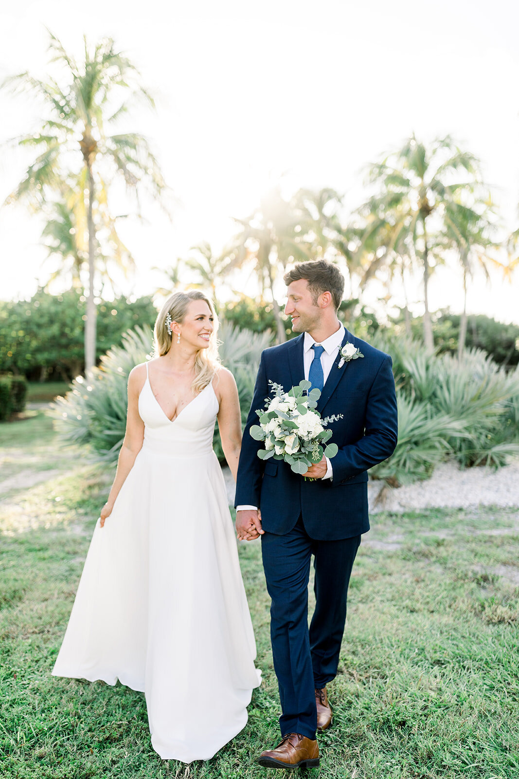 alex-mike-bowditch-beach-fort-myers-wedding-photos-1143