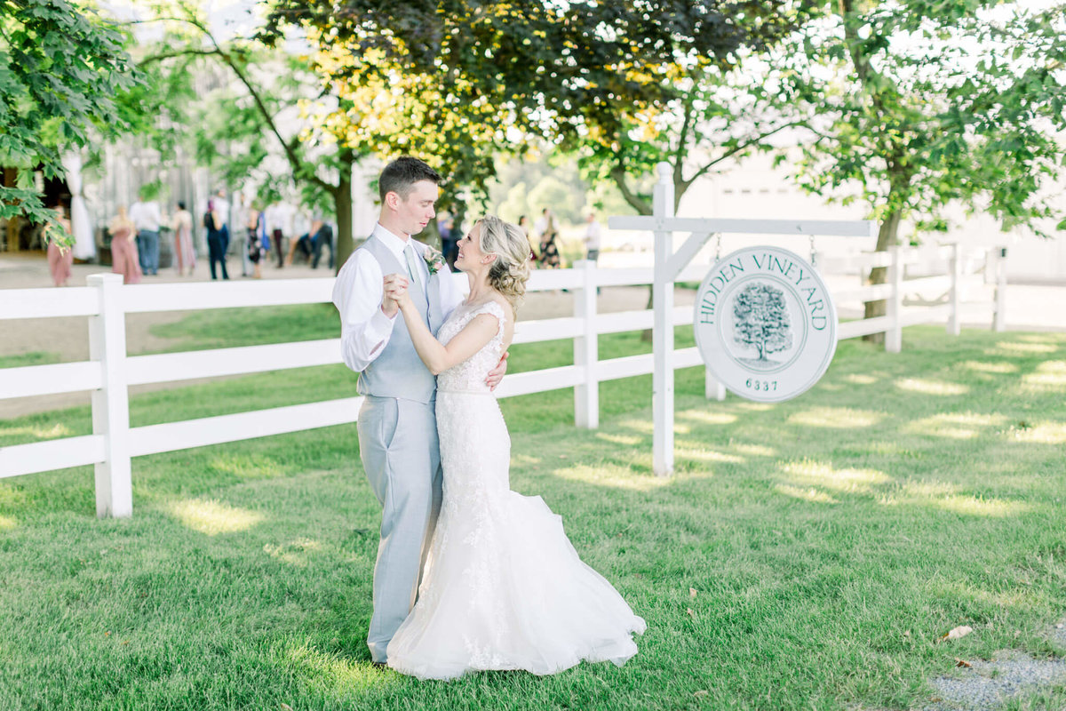traverse-city-wedding-photographer-84