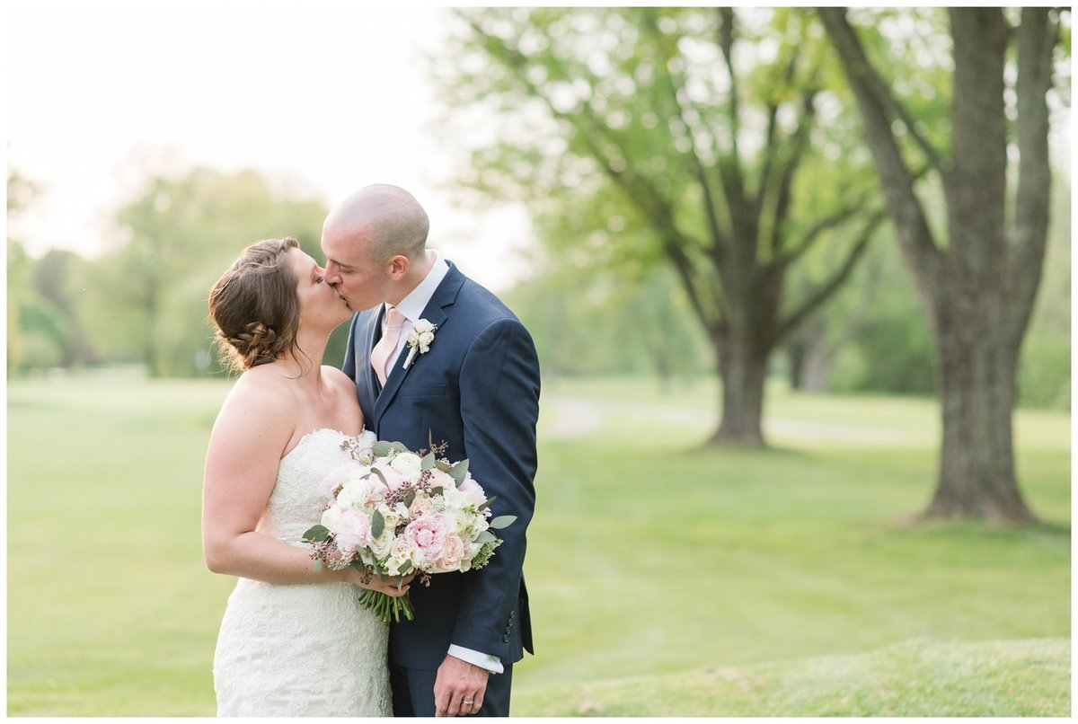 columbus ohio wedding photos brookside golf and country club outdoor wedding_0115