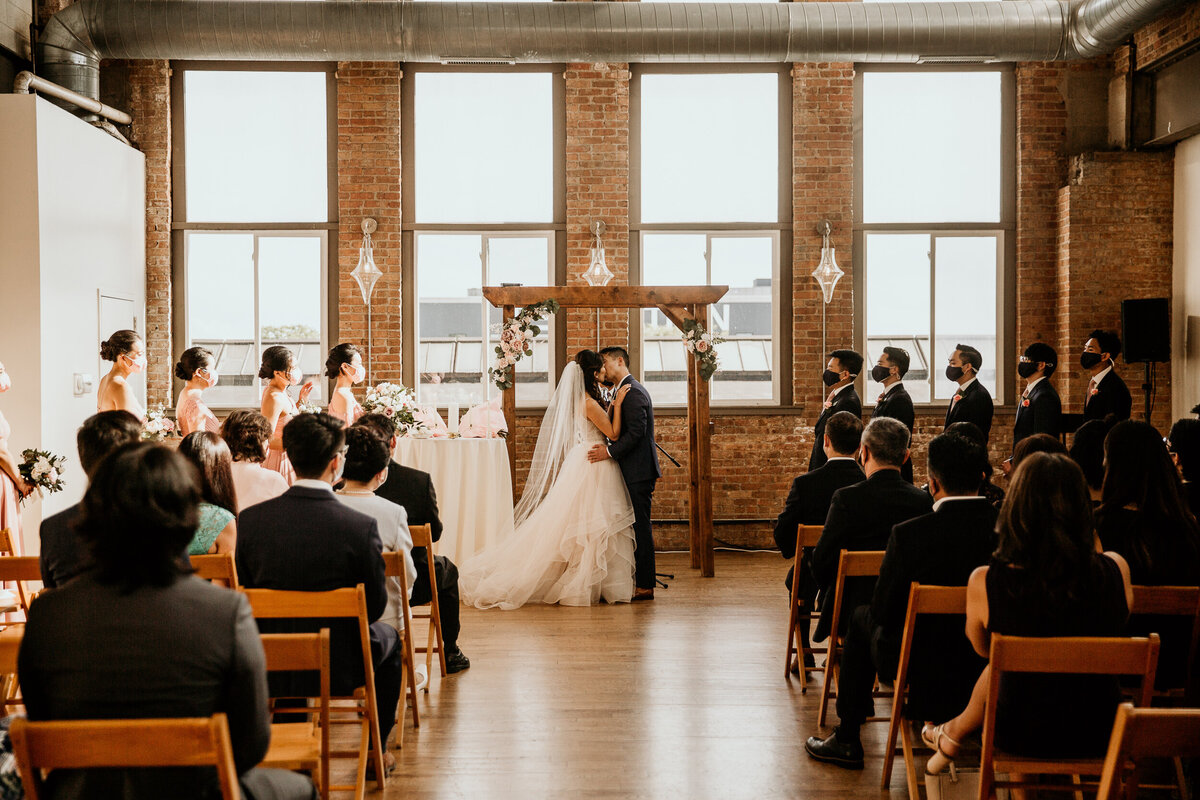 city-view-lofts-west-loop-chicago-wedding-ceremony