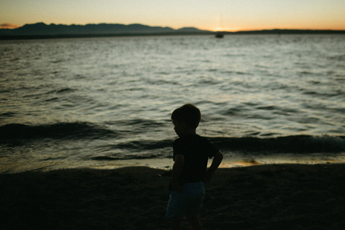 Seattle Lifestyle Photographer + Golden Gardens Family Session-13