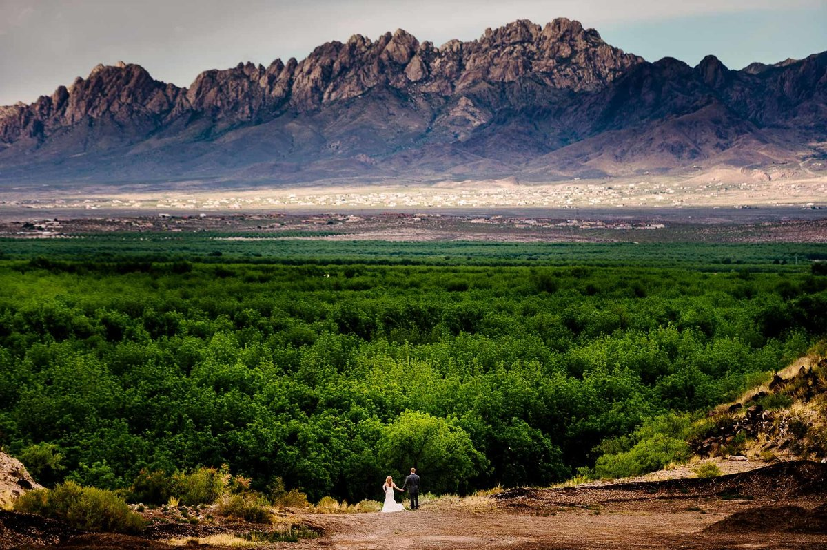 bride and groom scenic  photo with organ mountains in las cruces new mexico  by stephane lemaire photography