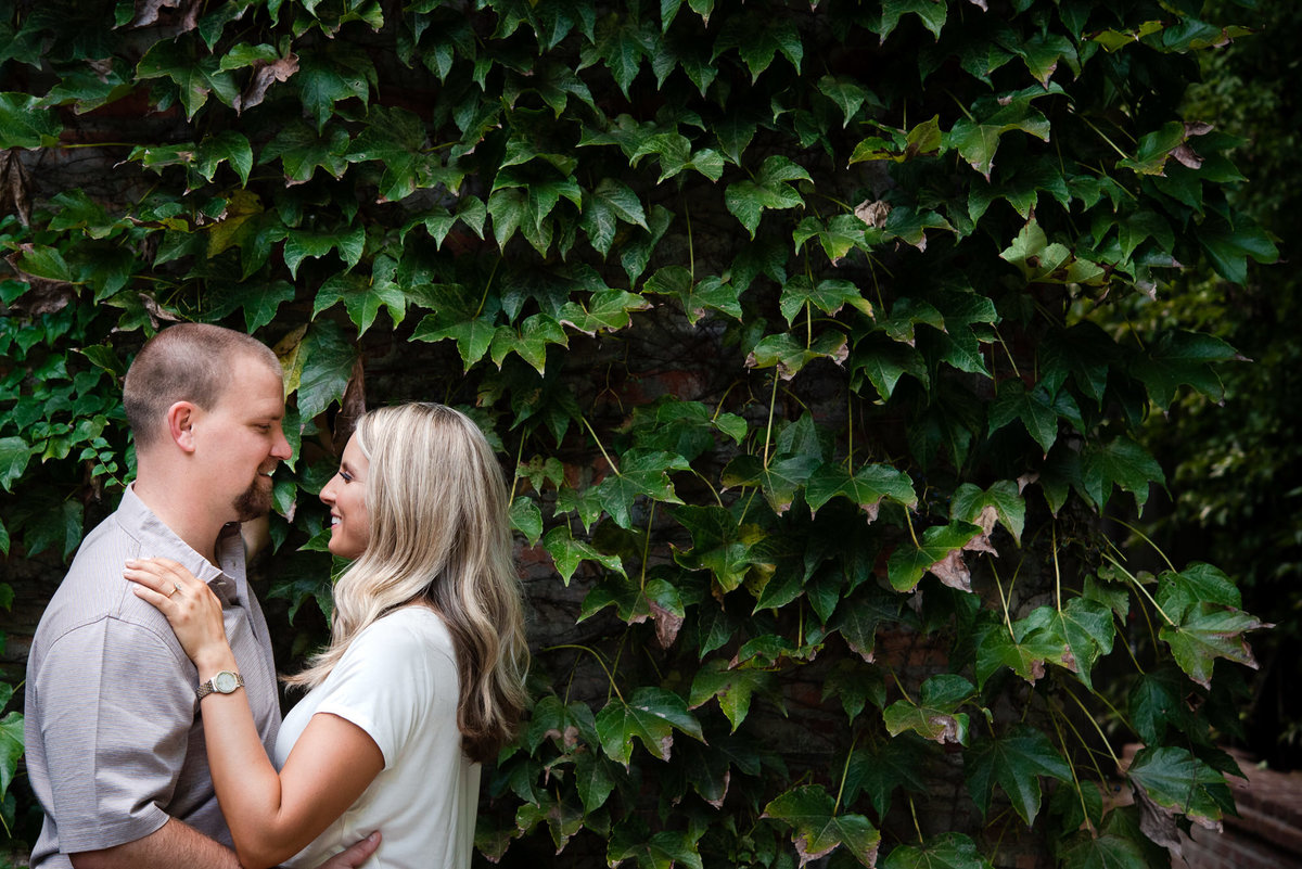 Dixon Gallery and Gardens engagement photo
