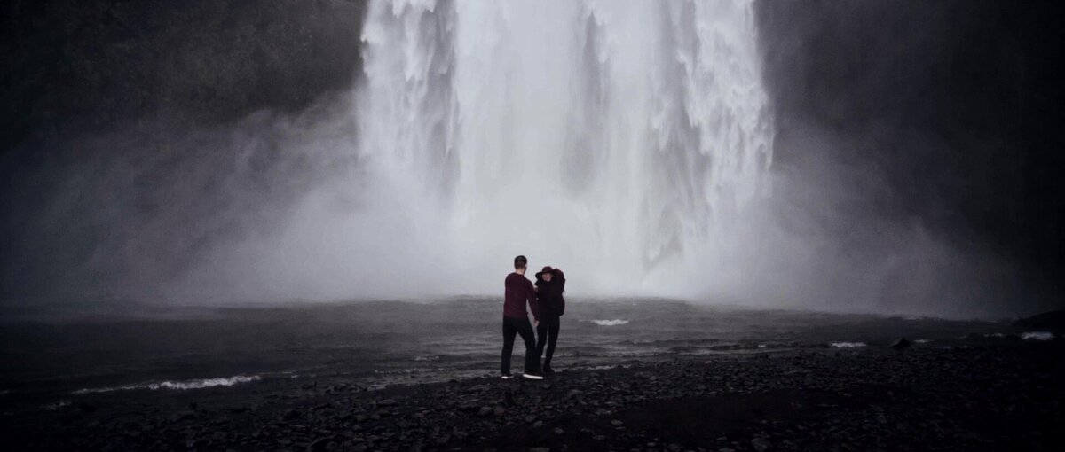 South-Iceland-Amazing-Waterfall-Elopement-037