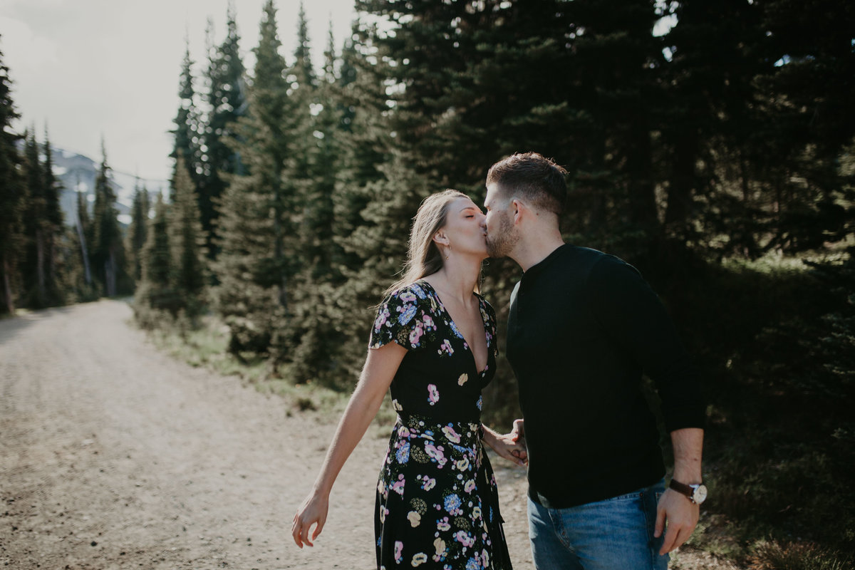 Marnie_Cornell_Photography_Engagement_Mount_Rainier_RK-28