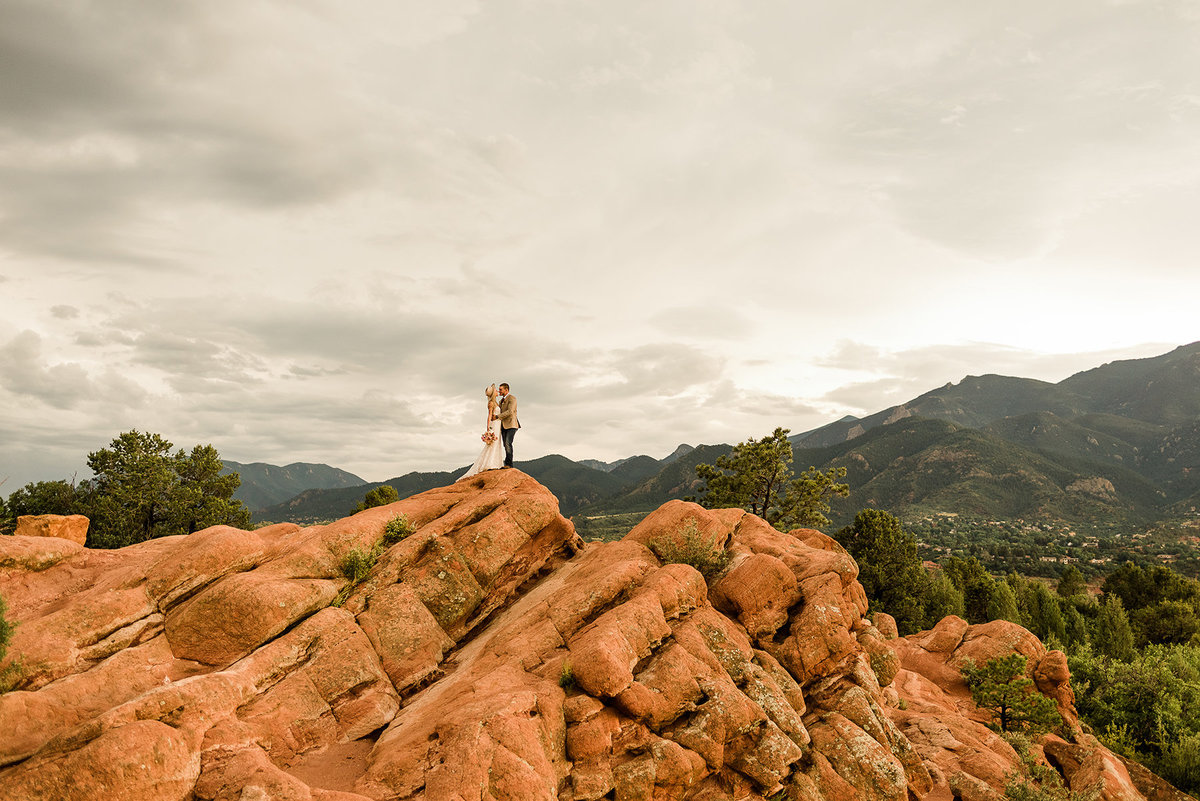 garden-of-the-gods-elopement-colorado-springs-2