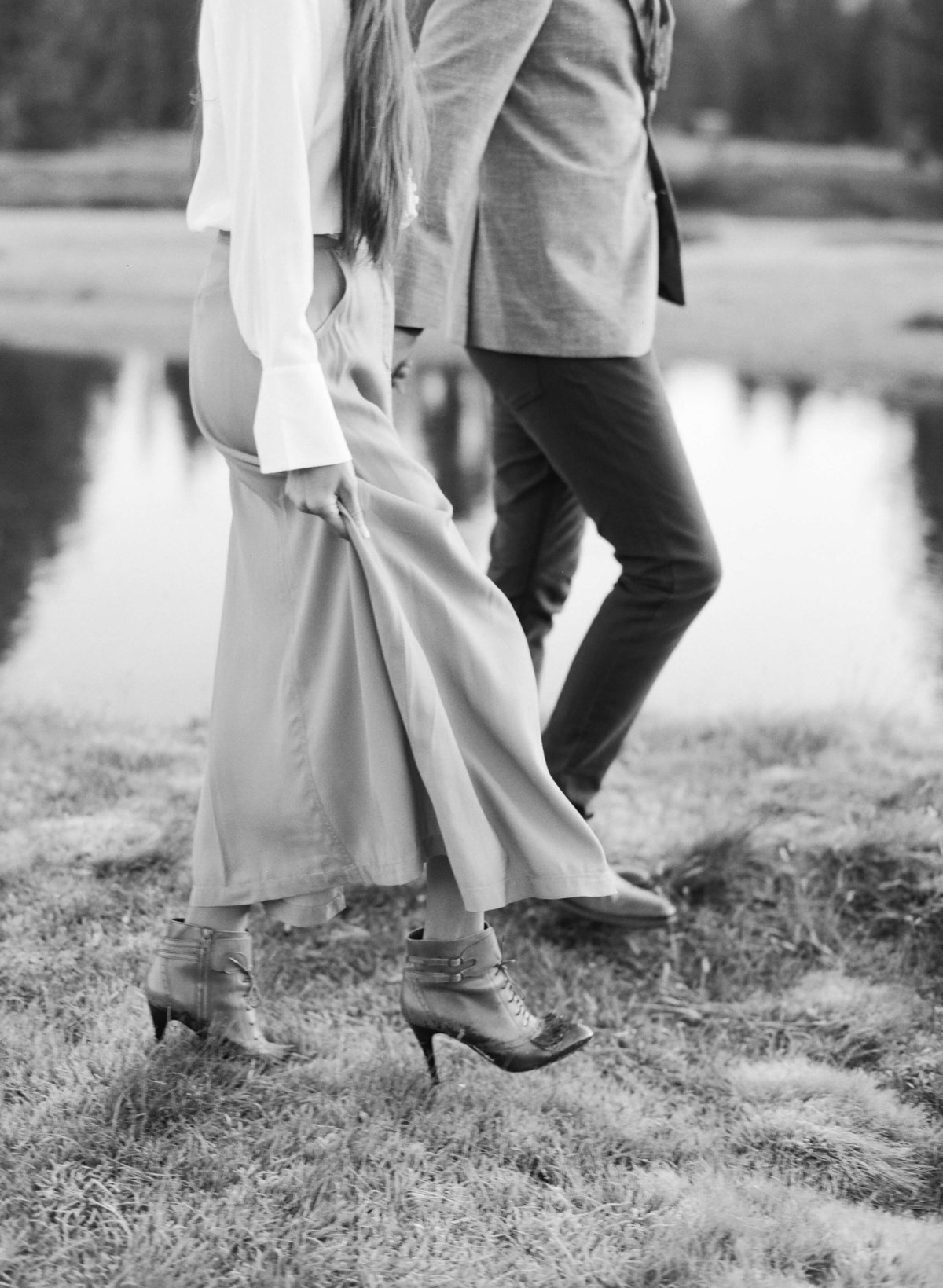 17-KTMerry-engagement-photography-black-white-Yosemite