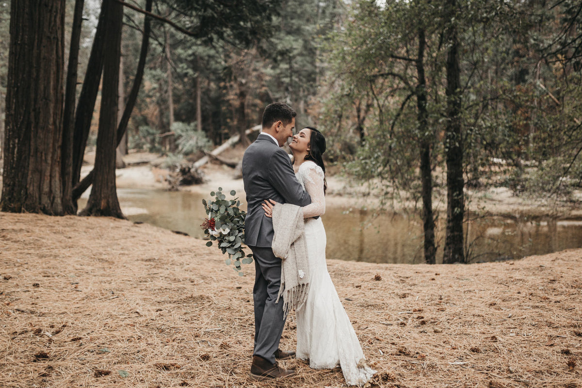 athena-and-camron-how-to-elope-in-yosemite-valley-lower-valley-woods18