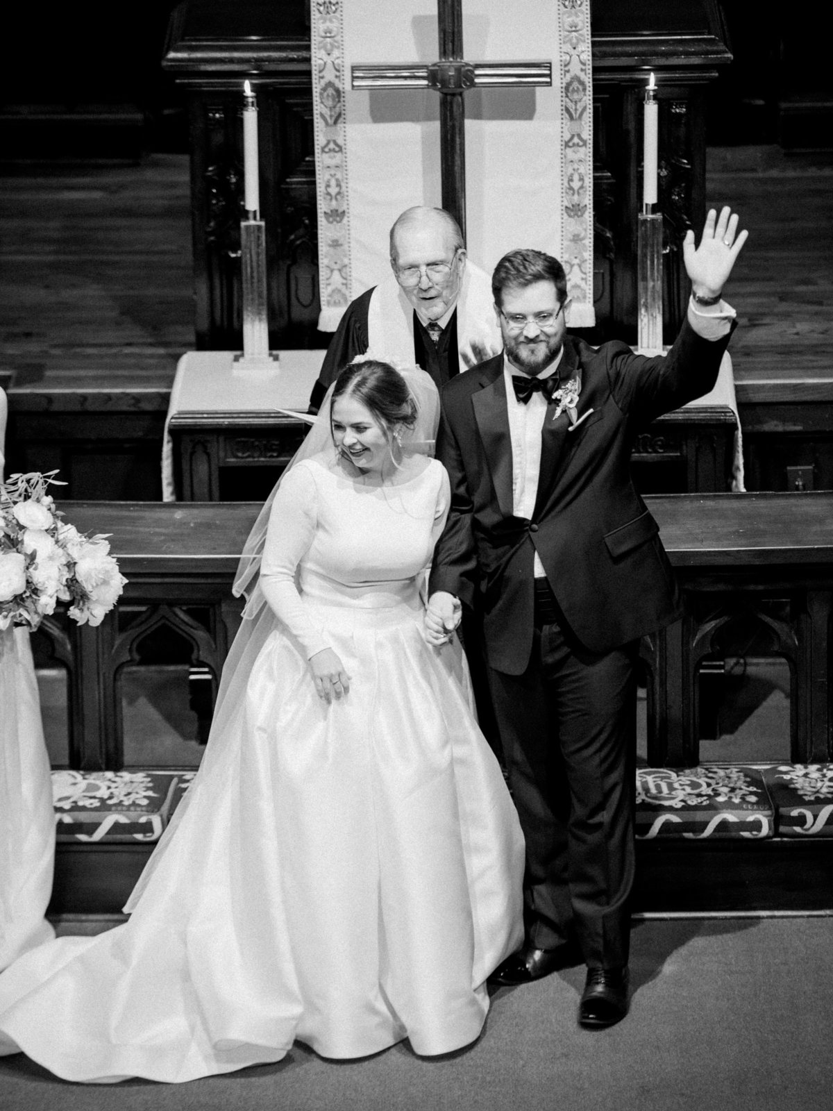 Courtney Hanson Photography - Festive Holiday Wedding in Dallas at Hickory Street Annex-0173