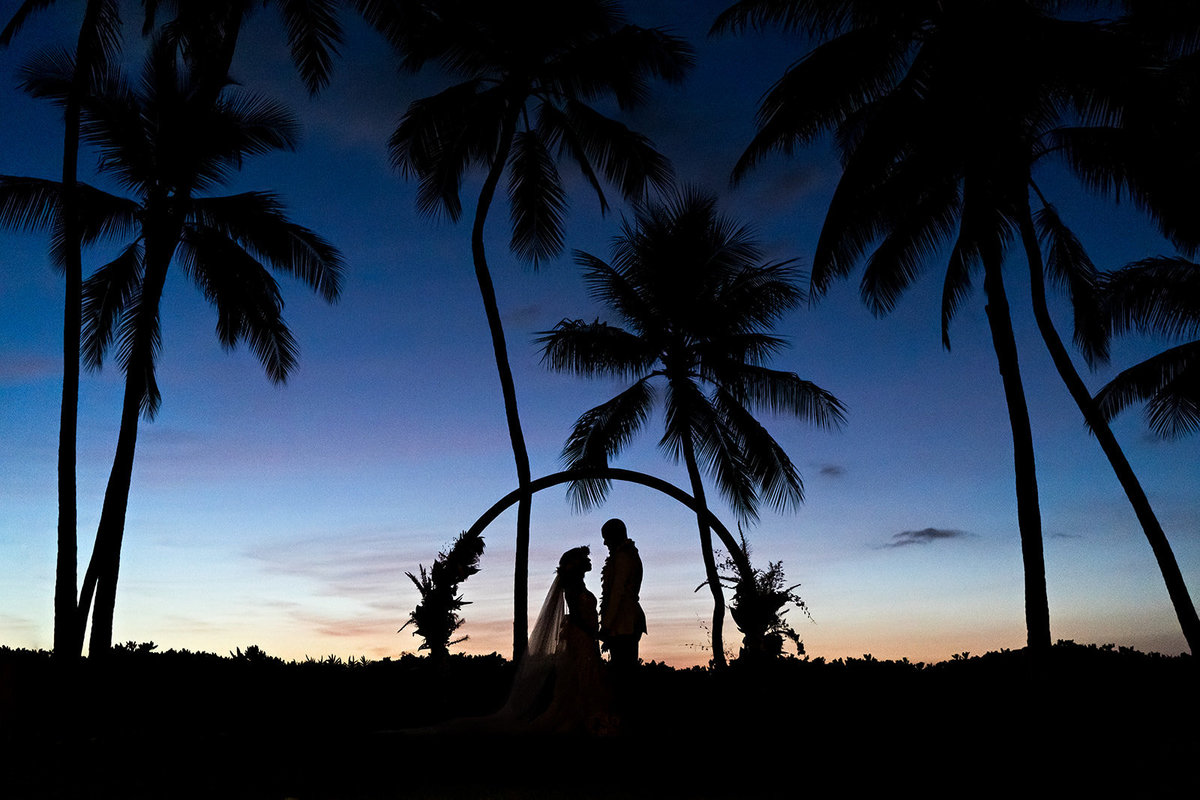 Oahu Hawaii Wedding Photos-34