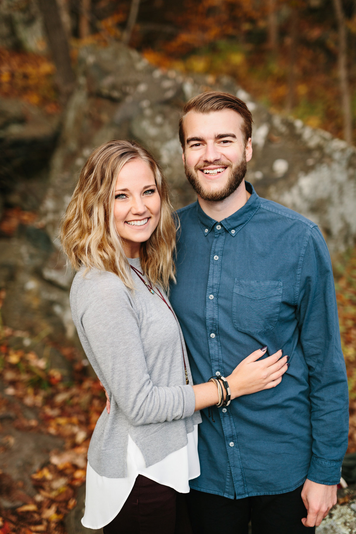 Taylors-Falls-Minneapolis-Fall-Engagement-15