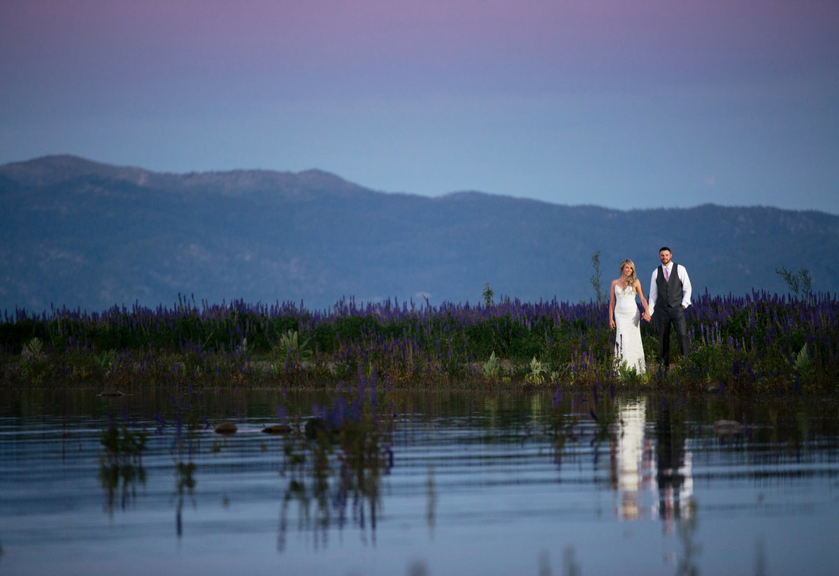 Bride and groom sunset photos at Lake Tahoe
