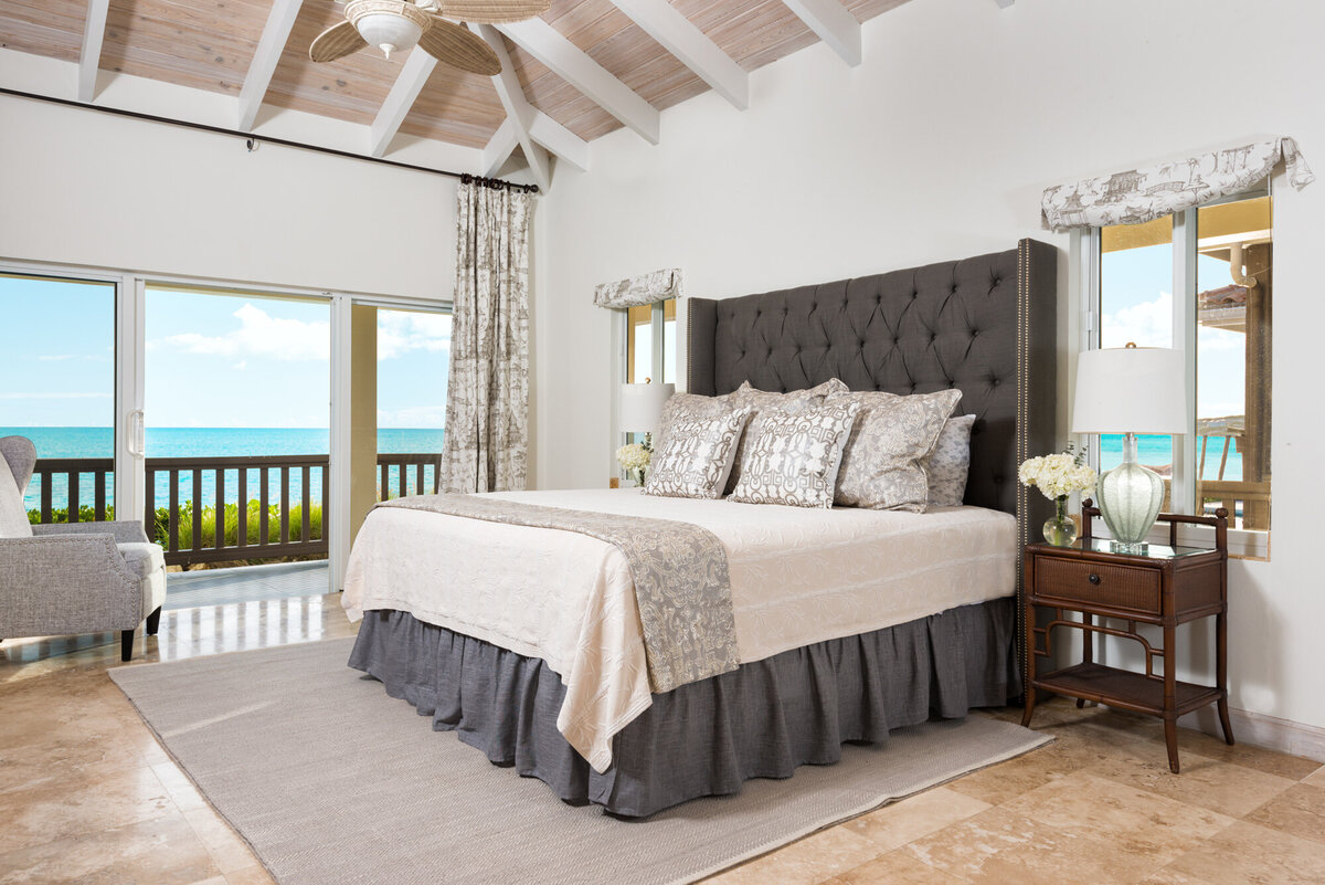 turks-and-caicos-beach-house-designs-by-moda-design6
