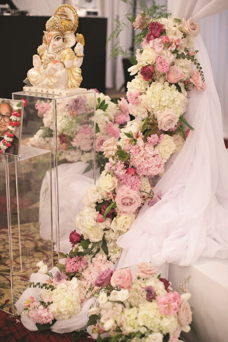 hindu-wedding-ceremony-white-blush-gold-florals