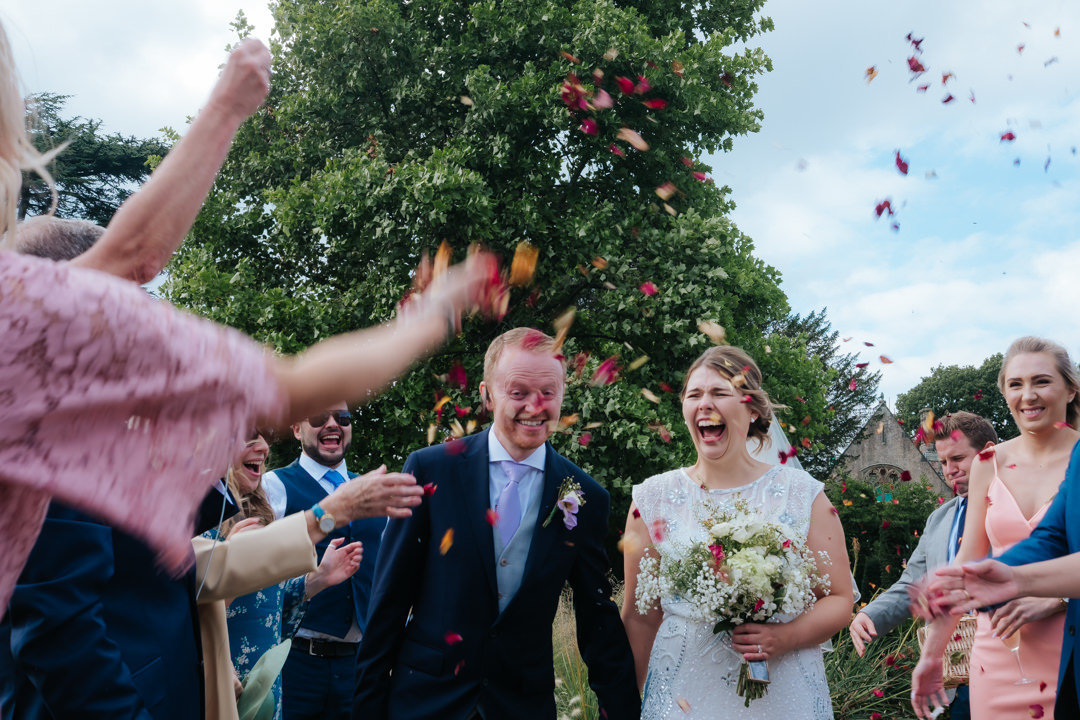 charlie-flounders-surrey-wedding-photographer-confetti