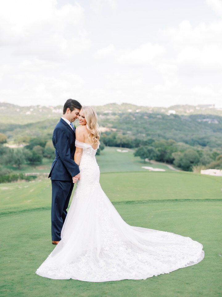 Omni-Barton-Creek-Wedding-Photographer-13