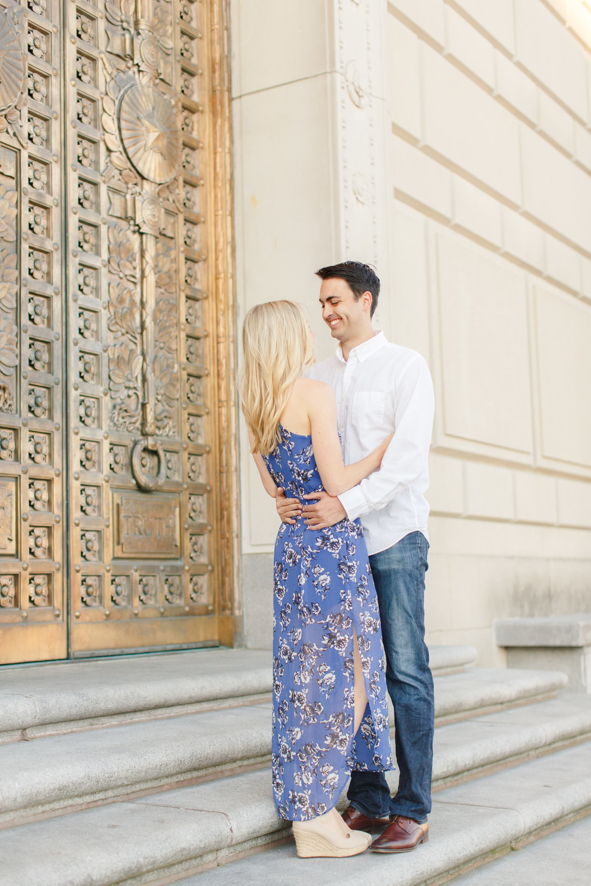 Indianapolis War Memorial Downtown Engagement Session Sunrise Sami Renee Photography-19