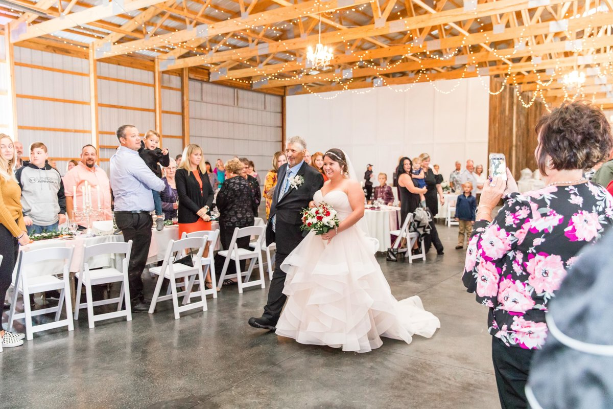 Hannah-Barlow-Photography-Wedding-Ceremony-Indoor-Heaven-Sent-Farms