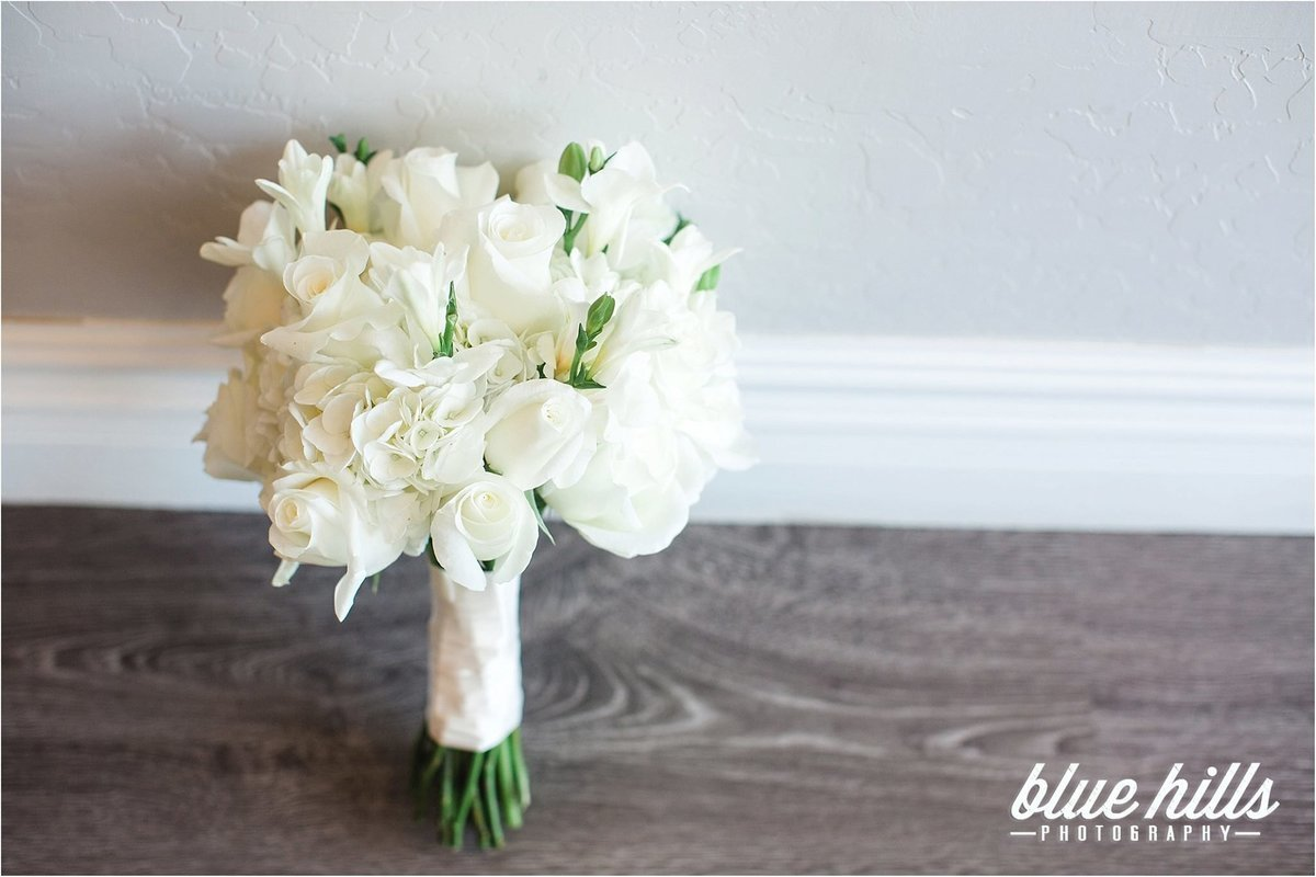 white bouquet-3
