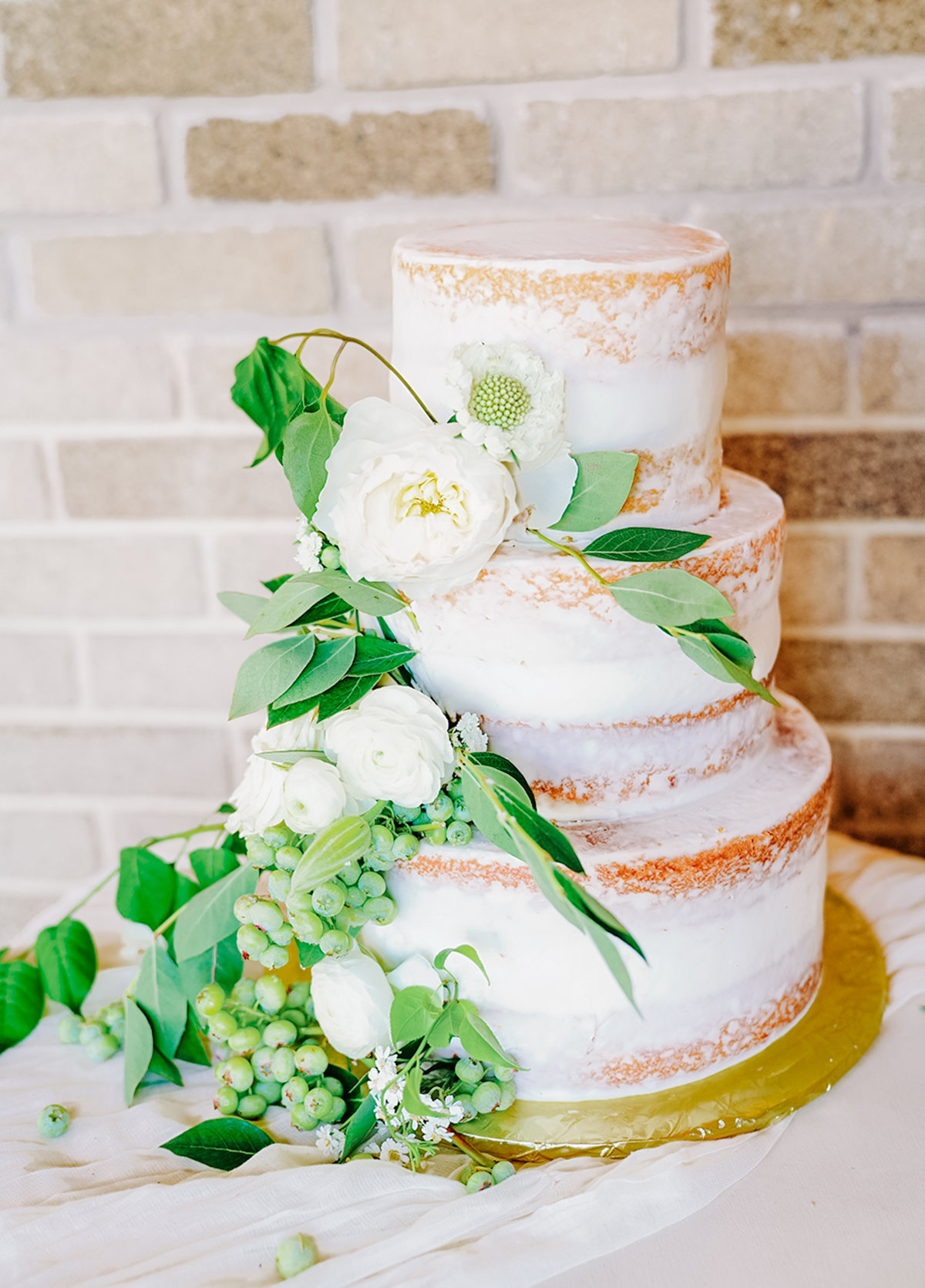 naked wedding cake  felt mansion estate chapel wedding