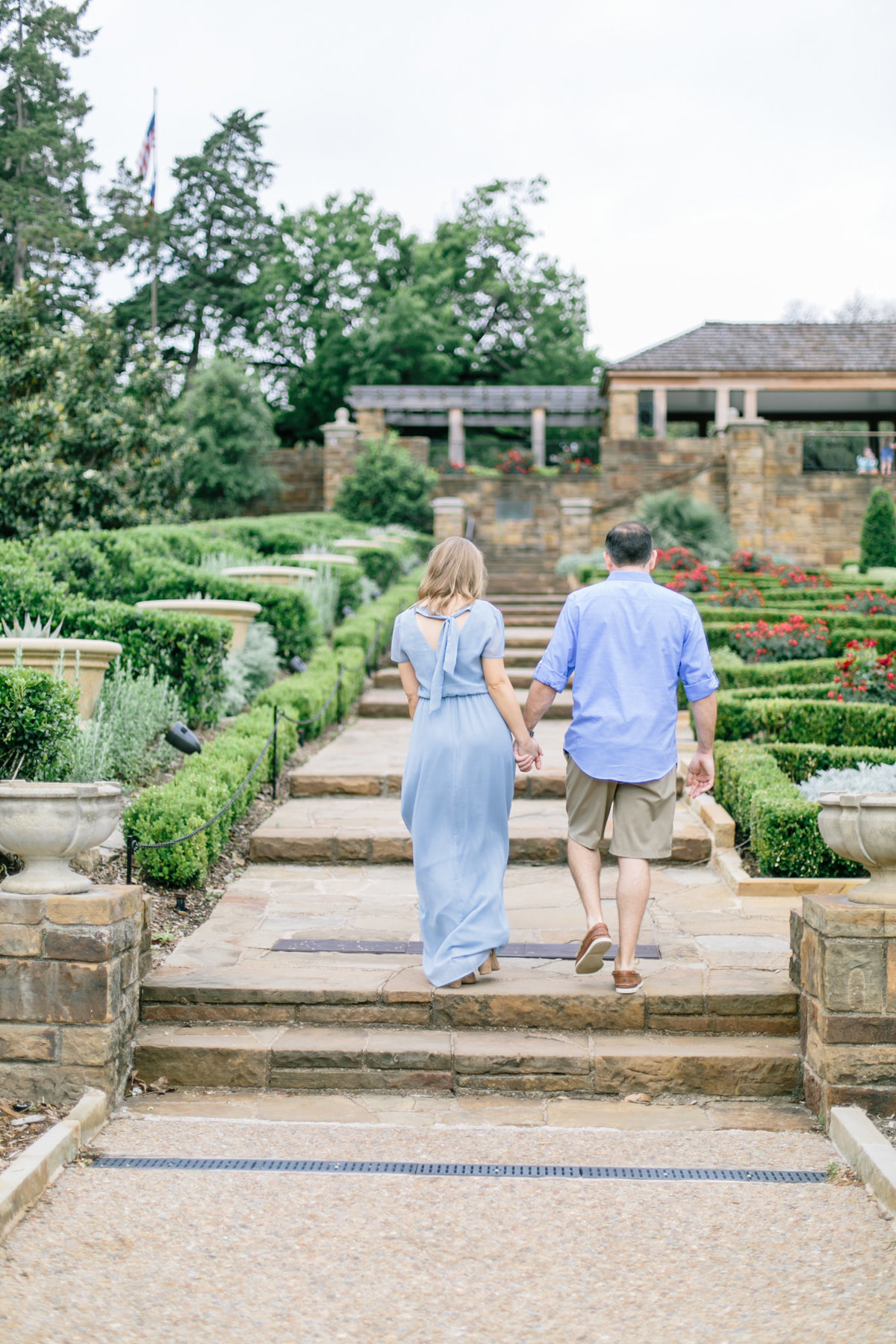 Fort-Worth-Botanical-Graden-Engagement-by-Dallas-Wedding-Photogrpher-Julia-Sharapova-32