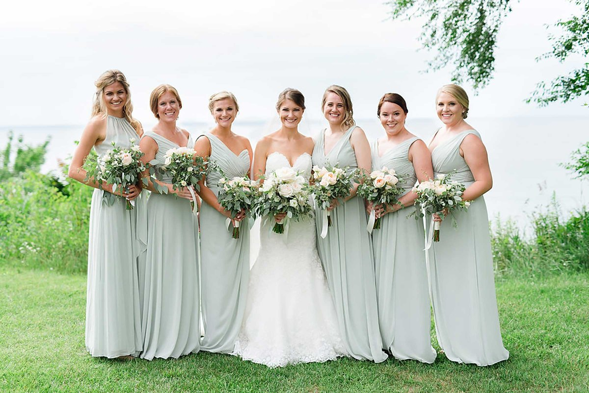 bridal-party-mi-bluff