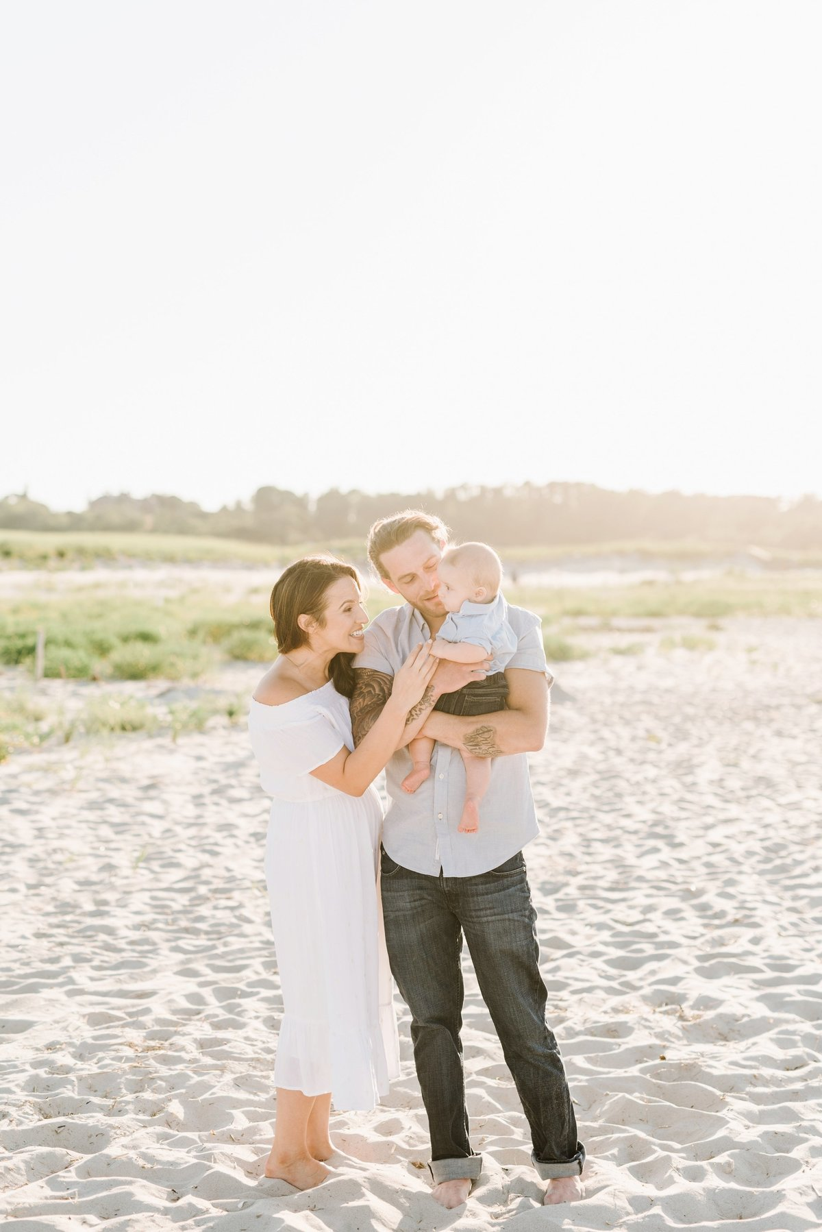 crane-beach-family-session-boston-lifestyle-newborn-photographer-photo_0012