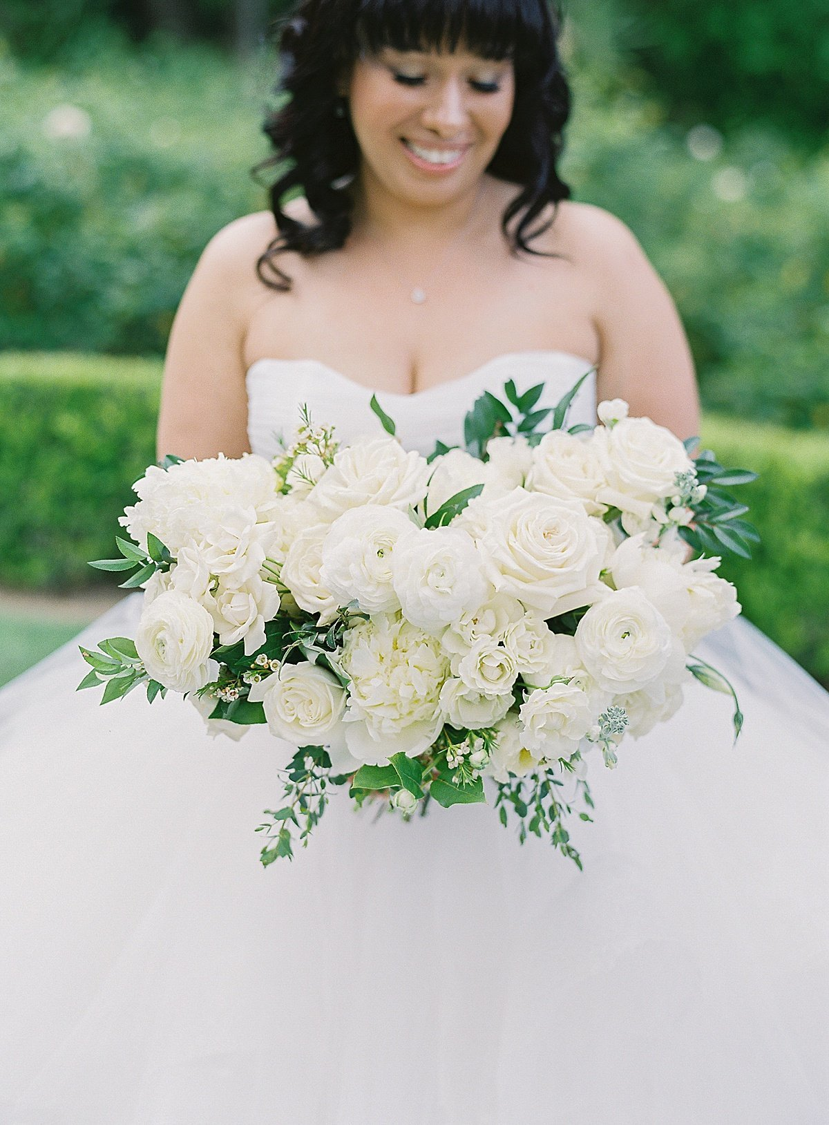 Posh Peony Newhall Mansion Piru Lush White Floral and Greenery Wedding_0015