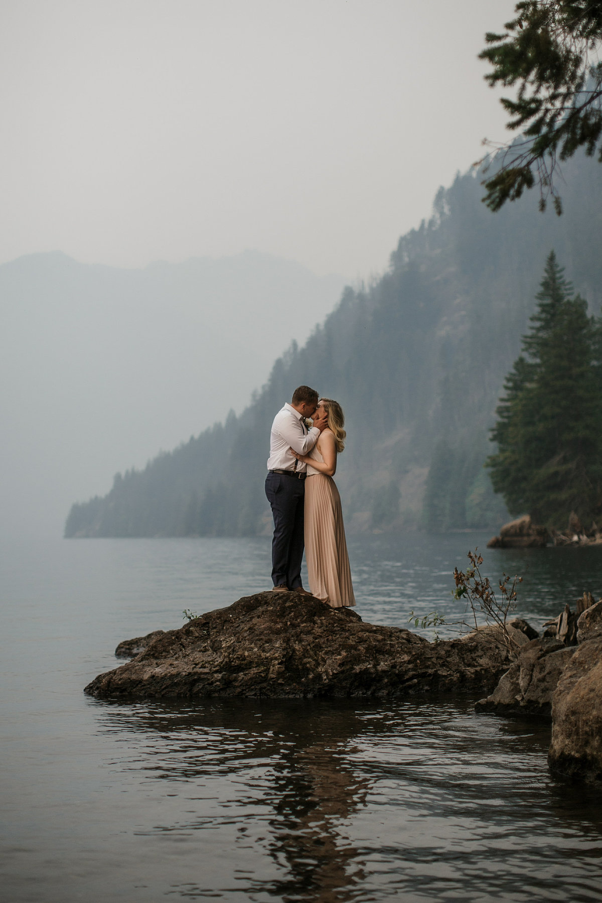 Lake-Cushman-Olympic-National-Park-Elopement-12