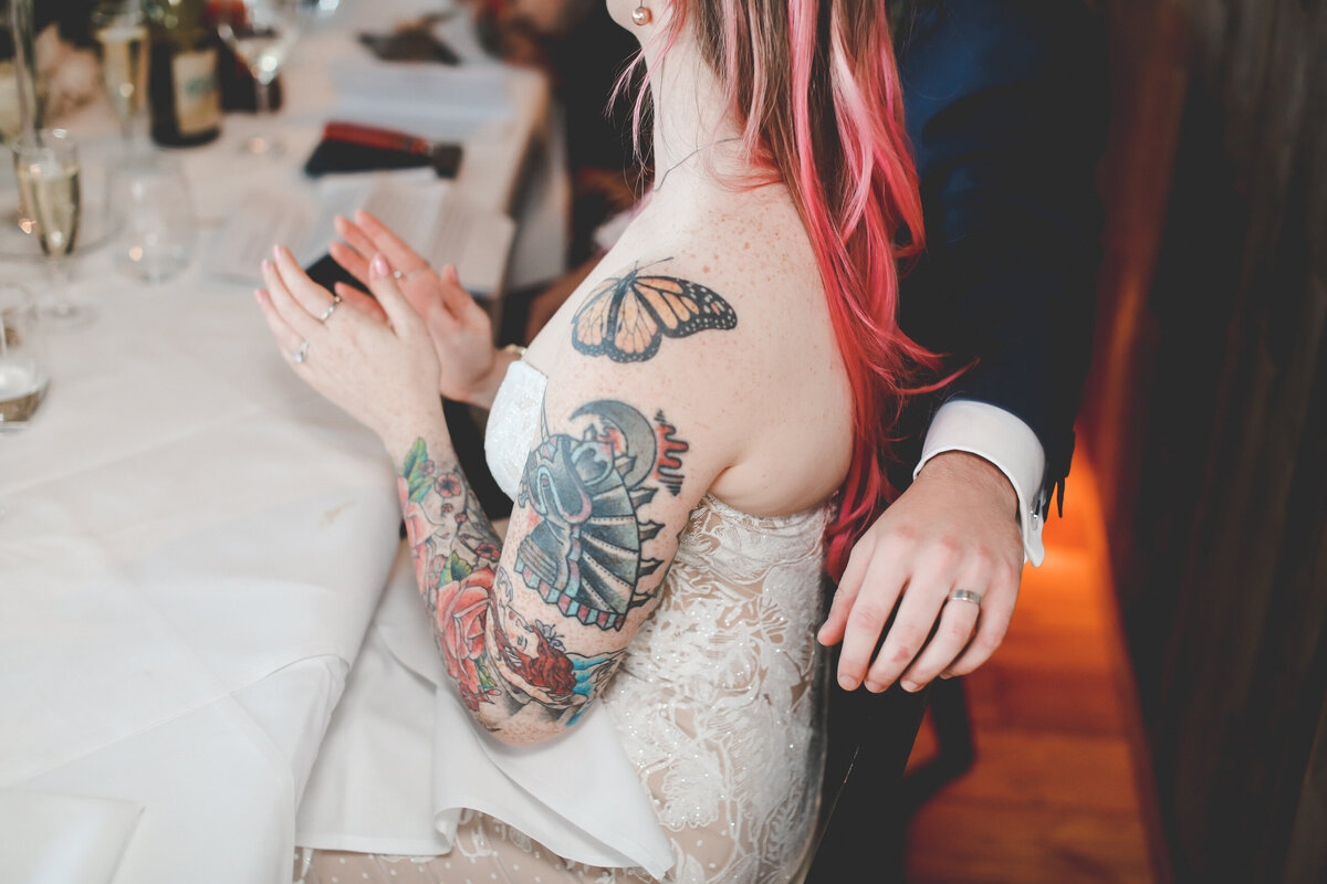 THE-YACHT-LONDON-WEDDING-BOAT-WINDY-TATOO-BRIDE-0057