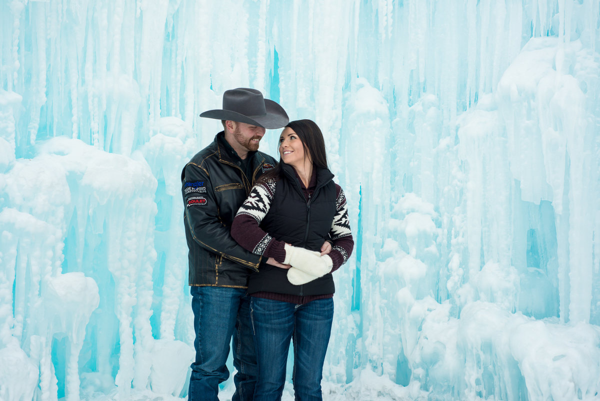 Edmonton-Okotoks-Couple-Photographer_Karli-Lane-11