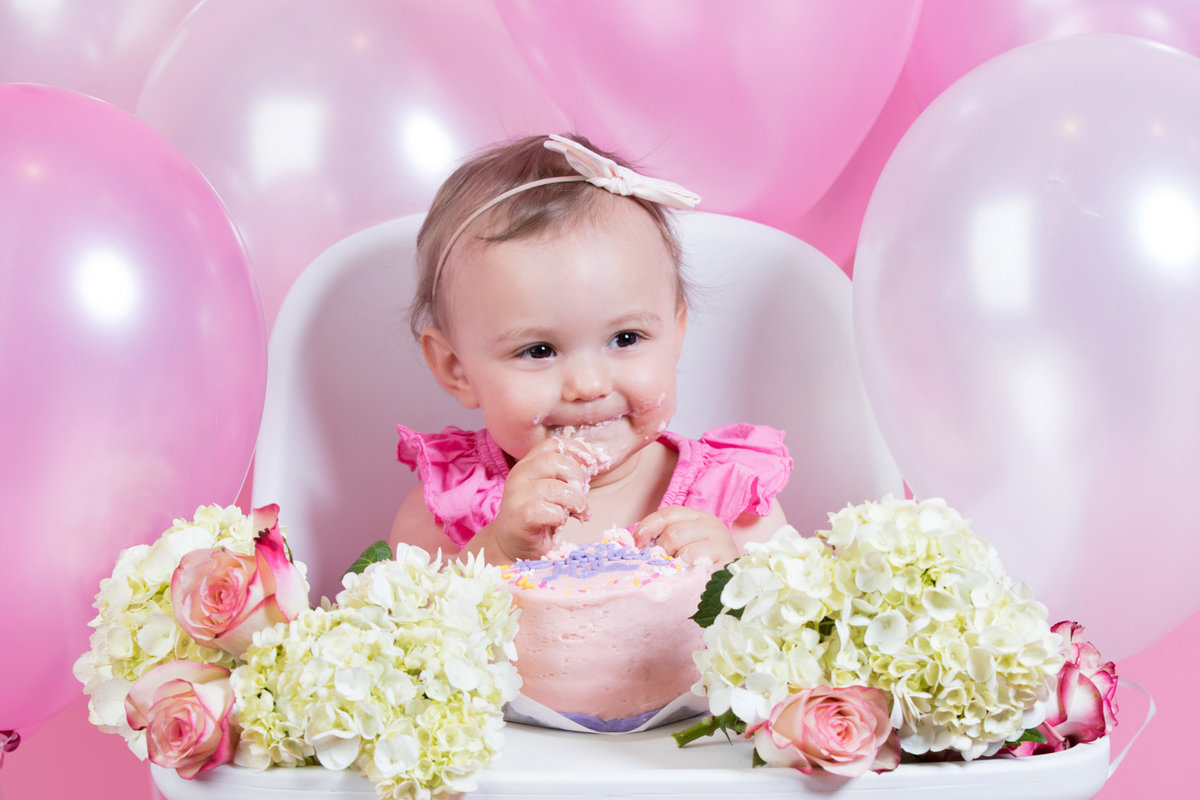 Baby First Birthday Photoshoot cake