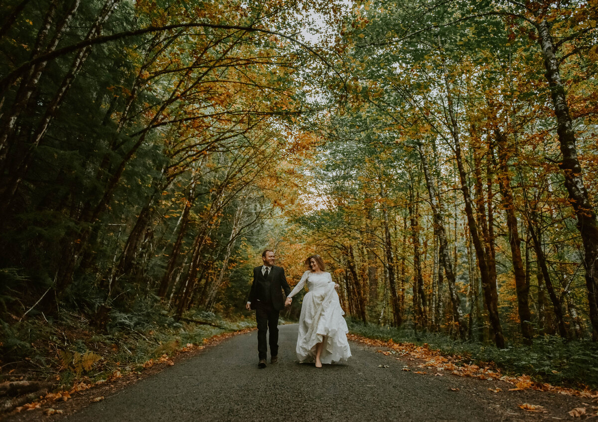 mount-hood-mountain-cabin-woods-elopement-forest-oregon-pnw-wedding-photographer0147