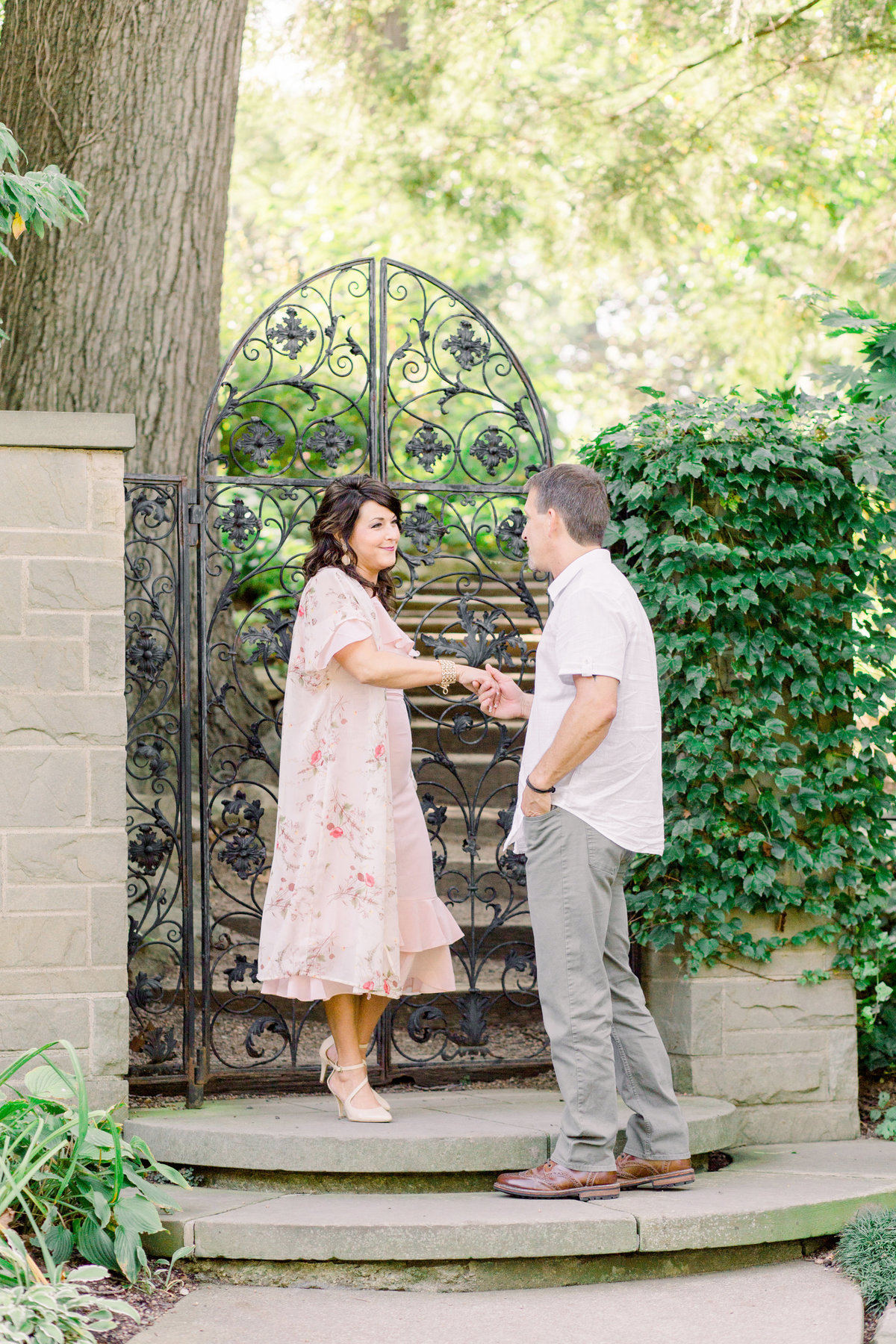 Cleveland-engagement-wedding-photographer-botanical-garden-museum-of-art005