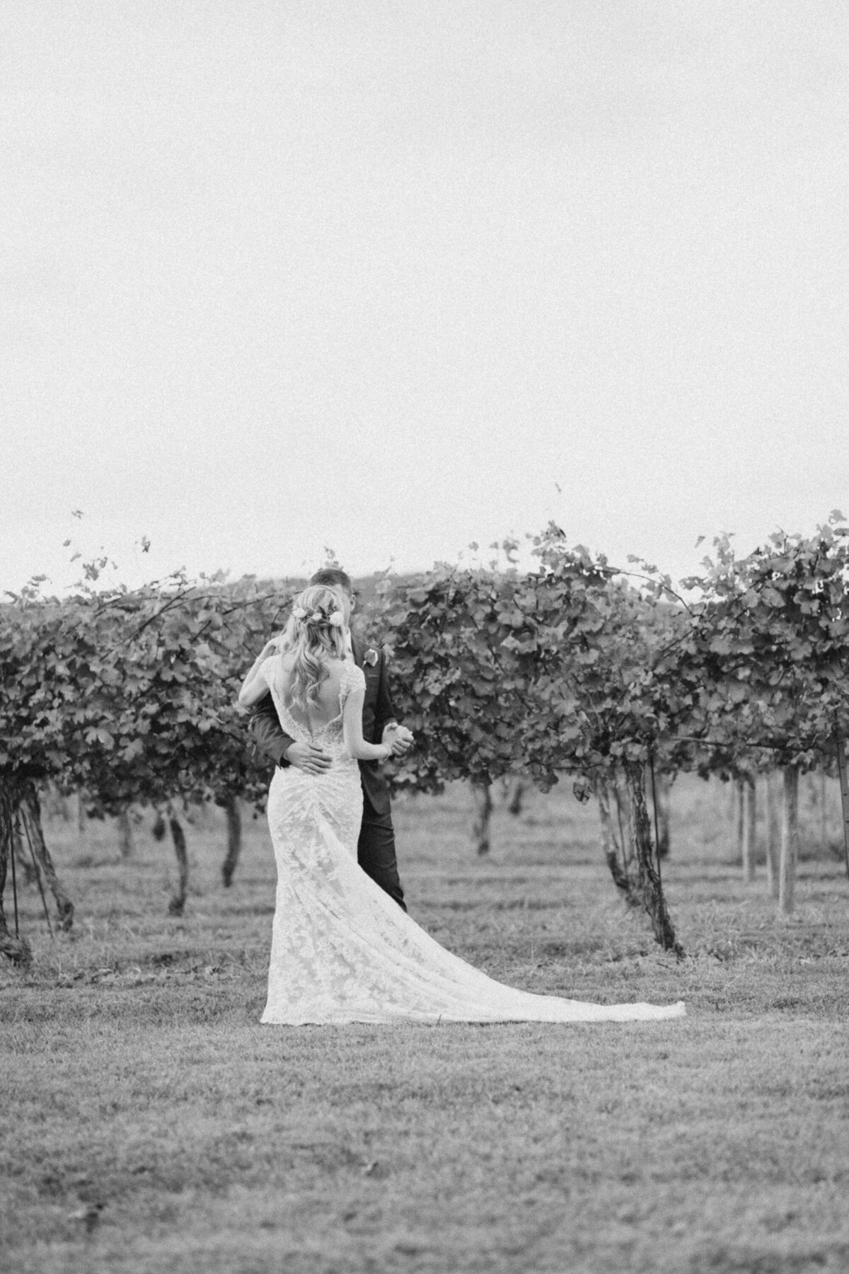 audra-jones-photography-keswick-vineyards-wedding-emma-matthias-5
