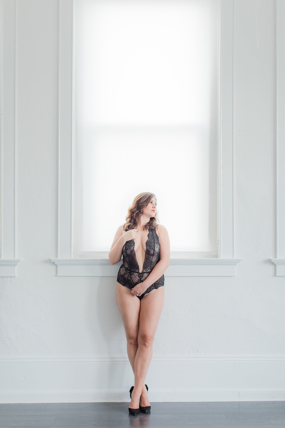 Light_and_Airy_Boudoir_Photography_White_Box_Studios-12