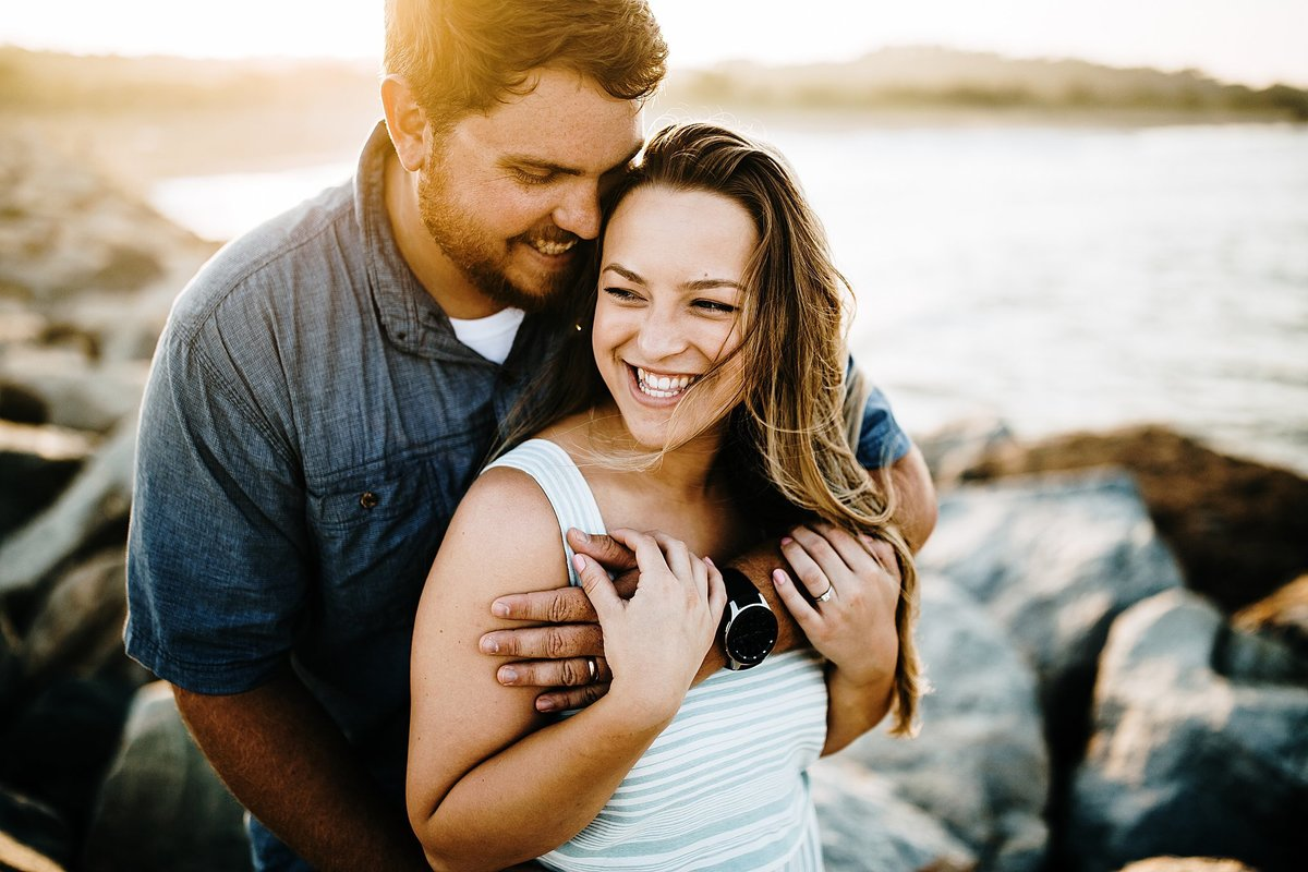romantic-beach-couples-session-lewes-delaware-rebecca-renner-photography_0019