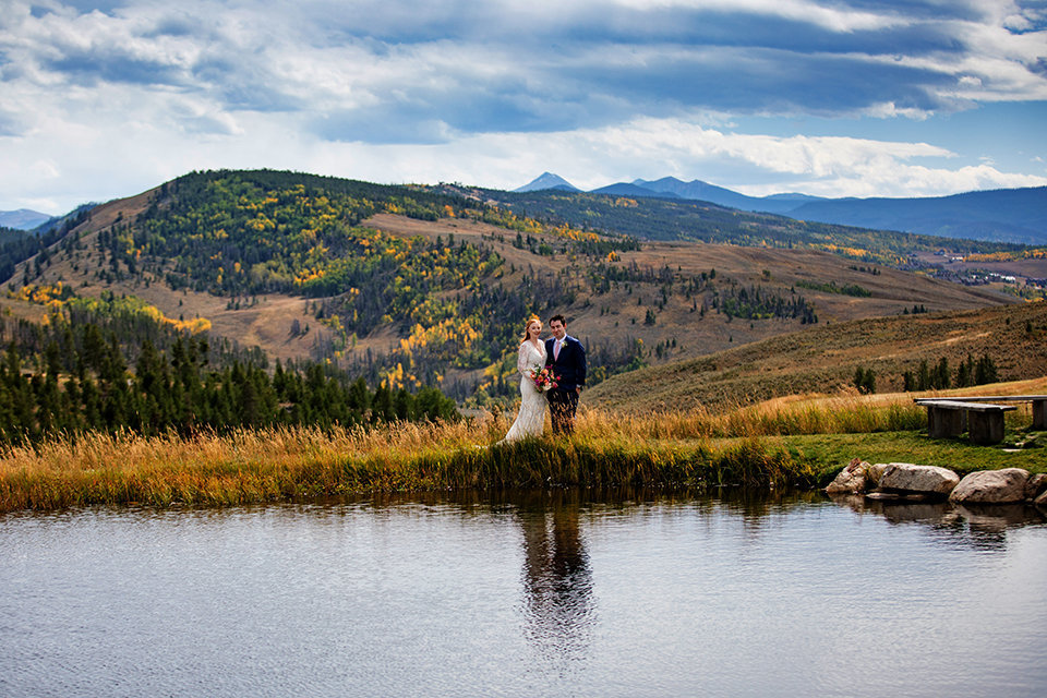 Granby-Colorado-Strawberry-Creek-Ranch-Wedding-Fire-on-the-Mountain-Wedding-Pops-of-Color-Fire-hot-colors-turning-of-leaves