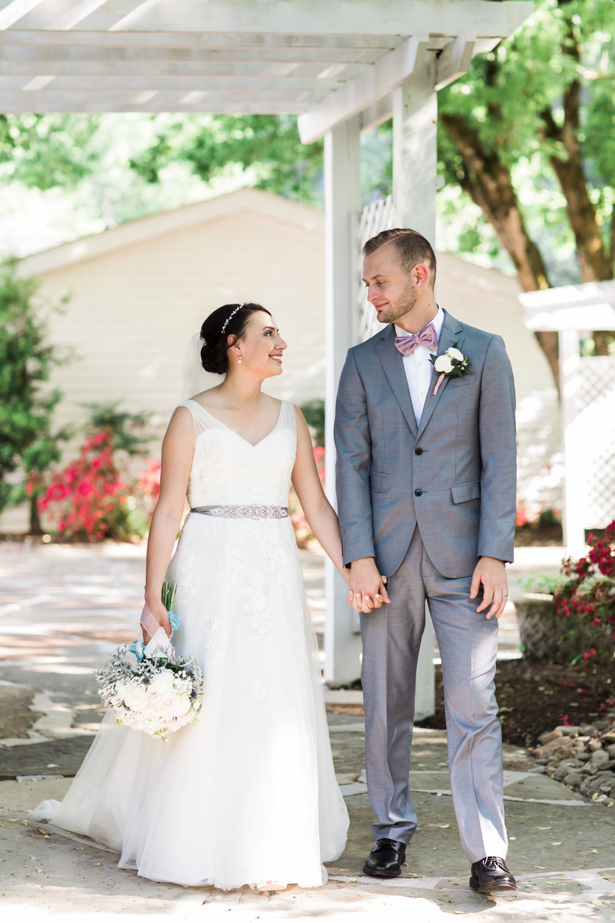 Danielle-Defayette-Photography-Daras-Garden-Knoxville-Wedding-347