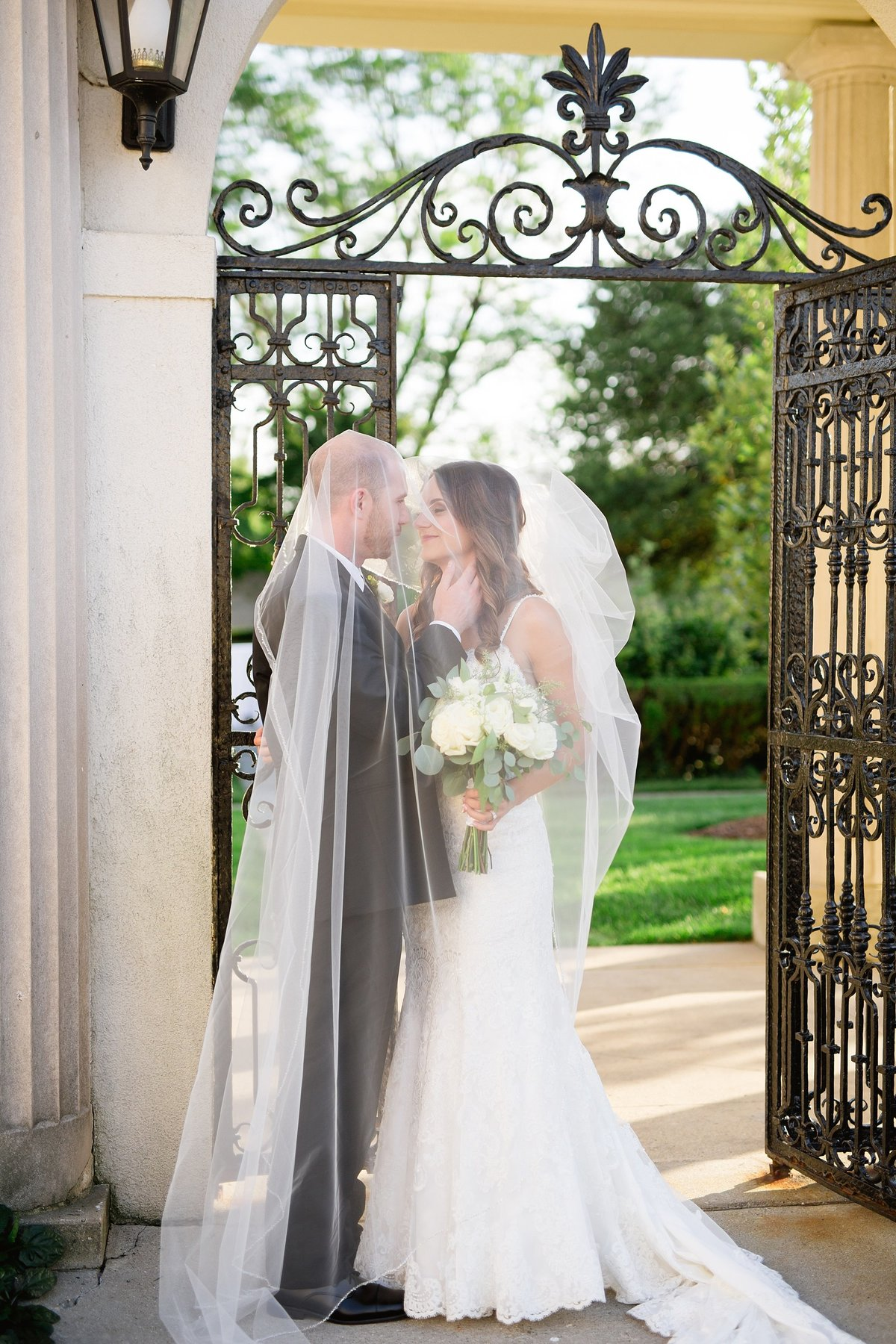 Shuster-Wedding-Grosse-Pointe-War-Memorial-Breanne-Rochelle-Photography107