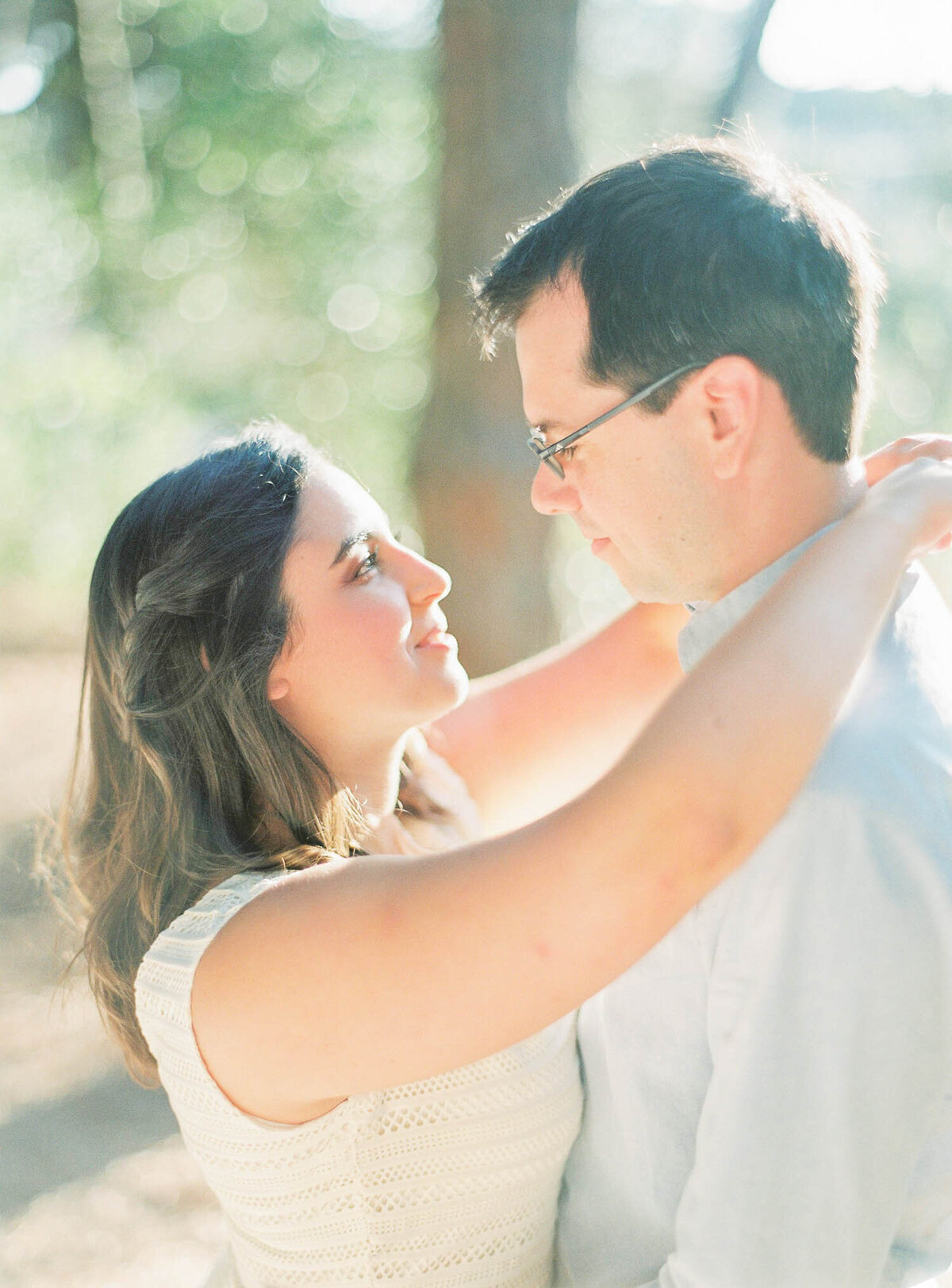 magical-engagement-in-monsanto-park-13