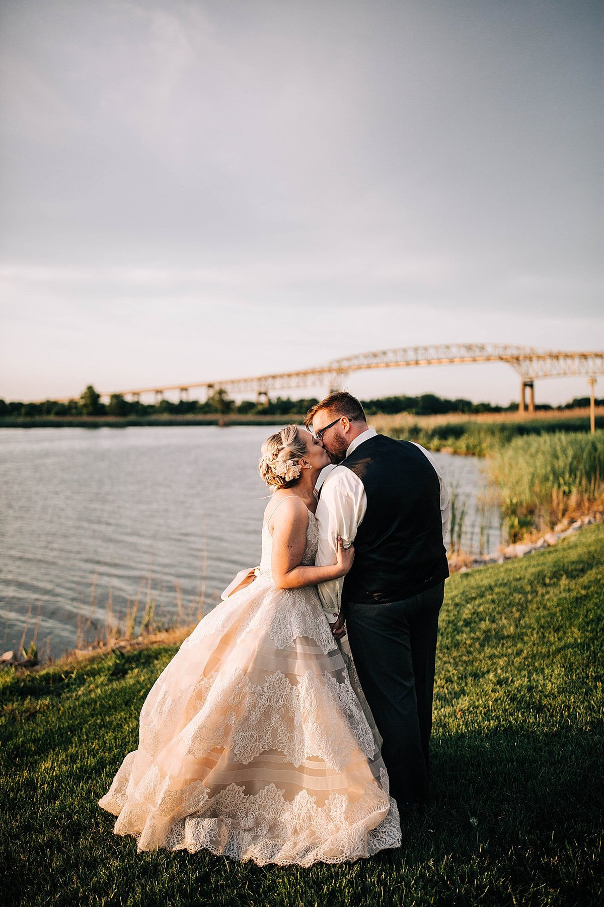spring-wedding-thousand-acre-farm-delaware-rebecca-renner-photography_0113