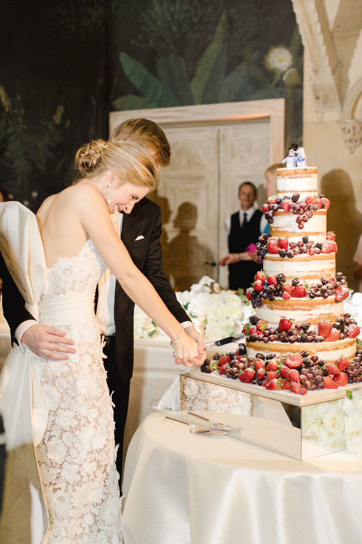 64-KTMerry-weddings-cake-cutting-Palm-Beach