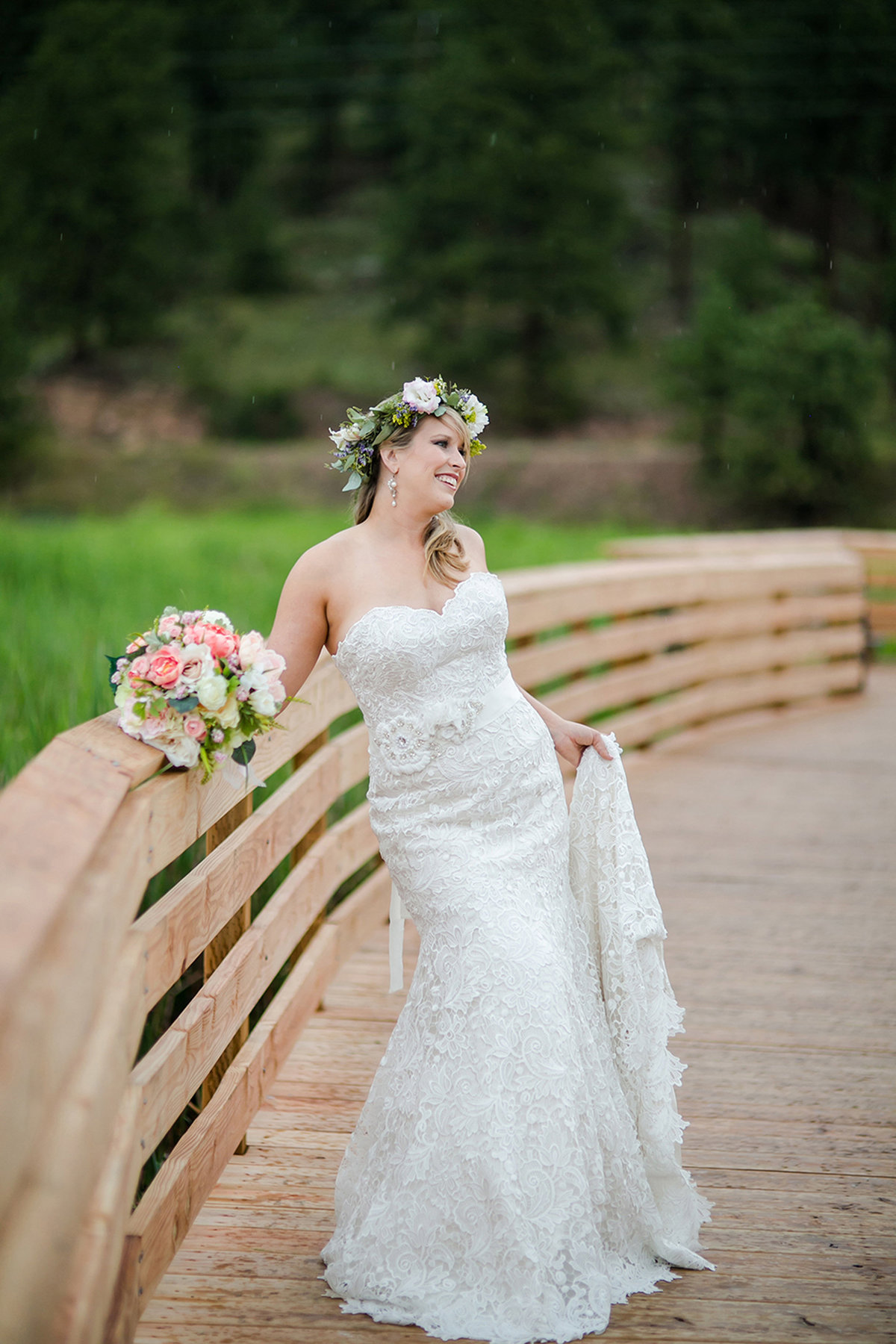 Bridal portraits at Evergreen Lake House