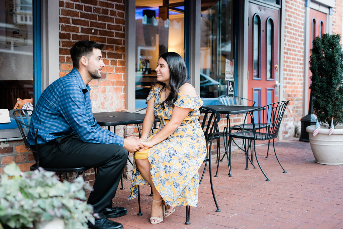 Gettysburg PA cute engagement session ideas