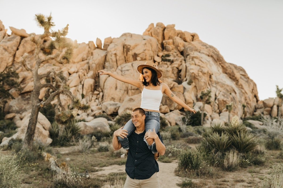 09-Desert-Engagement-Session-Harper-Grace-Photo